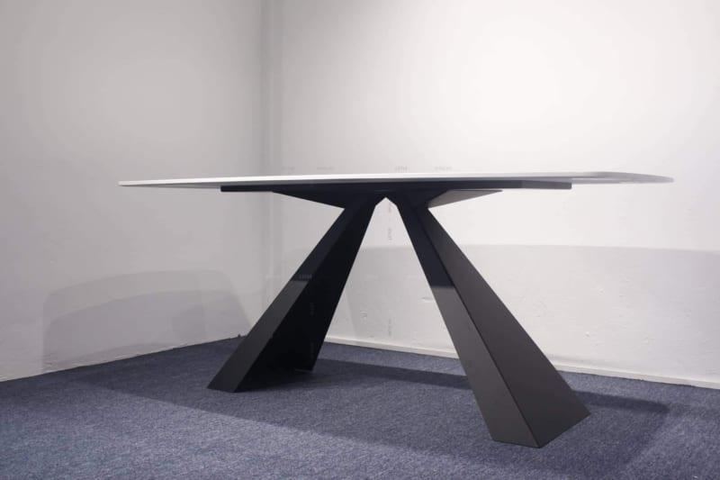 Hình ảnh bàn giao bàn ăn chân sắt Vtiron